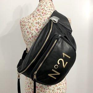 N 21 Large leather belt bag